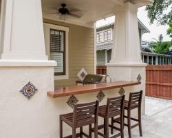 Outdoor-Kitchen-Concrete-Countertops.jpg
