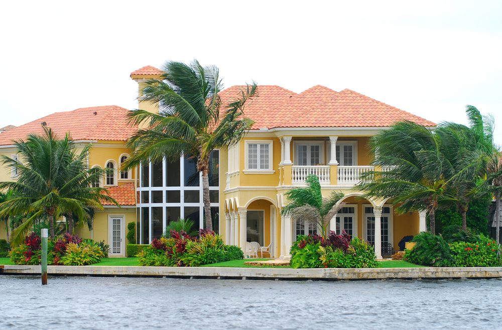 Benefits Of Luxury New Homes On Florida Waterways