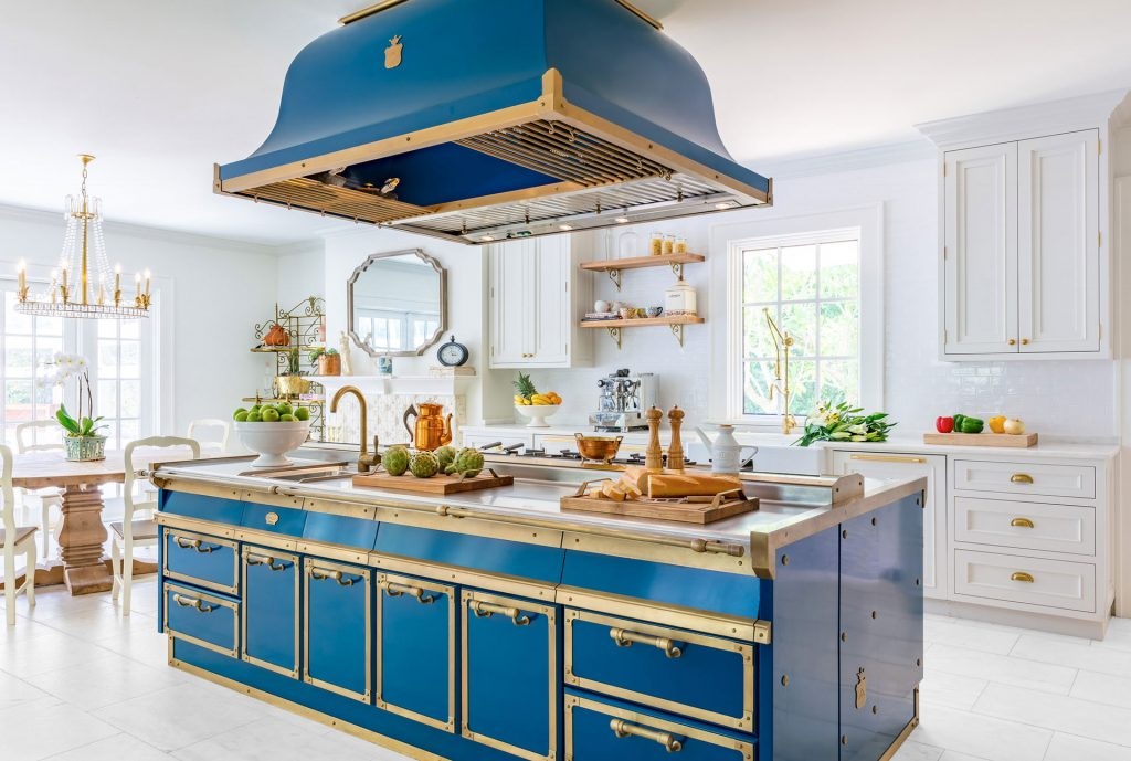 What 39 s hot and not in 2017 and 2018 home design trends for Home building trends 2017
